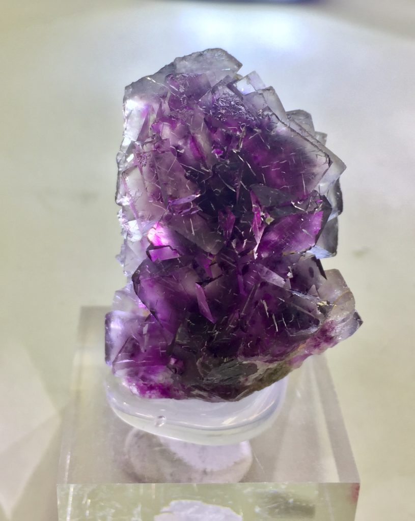 Namibia Okorusu mine産 蛍石